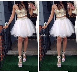 Images De Robe De Jupe Supérieure Pas Cher-Top Vente Deux Pièces Homecoming Robes Sexy Une Ligne Spaghetti Or Plis Strass Court Blanc Jupe Tulle Formelle Graduation Robes