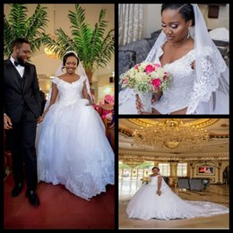 New Fashion Nigerian V Neck Lace Crystals Ball Gown Plus Size Wedding Dresses Customized Made Bridal Gowns Vestidos De Noiva