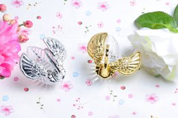 swan bag wholesale 2019 - Acrylic Silver Swan Wedding Favor Box Elegant wedding candy boxes Favor holders Wedding Gifts bag with pear cheap swan b