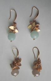 Träne Form Ohrring mit facettierten Glasperlen, Messing Phantasie Angelhaken, Shinny Gold plattiert, grau und mint Farbe Steine