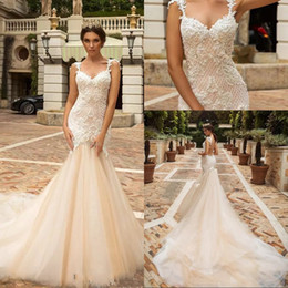 Barato Sereia Designer Vestidos-Designer Mermaid Lace Wedding Dresses 2018 Crystal Design Bridal Embellished Bodice Sleeveless Fit e Flare Backless Wedding Gowns