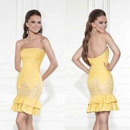 Robes De Bal En Cocktail Jaune Sans Bretelles Pas Cher-Bustier 2015 Short Mini Mermaid robes de cocktail jaune jonquille Cheap Sexy gaine Homecoming Party Dress satin dentelle bal des robes de cérémonie