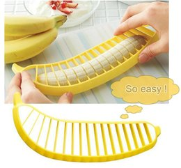 Banana Cutter Slicer Chopper Canada - 2015 Selling Banana Slicer Chopper Cutter Vegetable Transport Tools Fruit Salad Sundaes Cereal Cooking Tools Kitchen Accessories