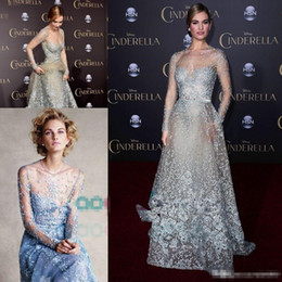 Elie Saab Blue Sleeves Baratos-Cinderella en Elie Saab Couture Red Carpet Celebrity Dresses 2017 Modest Sky Blue Lace Pearls Illusion manga larga Formal Prom Vestidos de noche