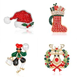 China Newly Christmas element Brooch Brooches Jeweled alloy gold Brooch And Pin Clothes Decor Christmas Jewelry Gifts AL177-A suppliers