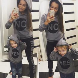 Mode Hiver Famille Amour Tops Vêtements Mère Maman Fils Hoodies Tenue Assortie en Solde
