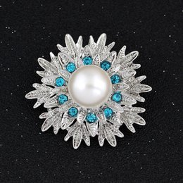Wholesale Hot Wholsale Silver Plated Rhinestone Crystal pearl Flower Pin Brooch for Wedding Invitation Jewelry