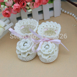Wholesale lovely baby shoes handmade white Crochet Baby Booties soft baby toddle Pierced sandals for months baby shoes