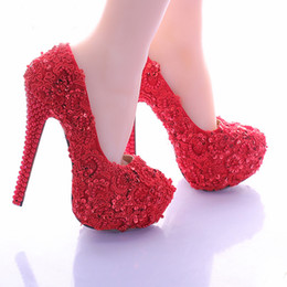 $enCountryForm.capitalKeyWord Canada - Wedding Shoes for Bride Elegant Red Lace Bridal Dress Shoes Glitter Platform High Heel Shoes Beautiful Vogue Women Modeling Pumps