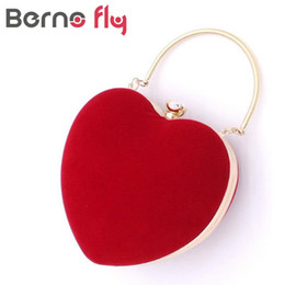 Heart Shaped Handbags Wholesale Canada - Wholesale- New Arrival Women Evening Handbags Ladies Wedding Day Clutches Party Bags Heart Style Hard Clutch Chain High Quality Diamond