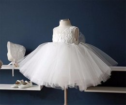 Black White Kids Pageant Dress Canada - White Lace Flower Girls Dresses for Party and Wedding Jewel Tulle Capped Sleeves Little Kids Birthday Dresses Stain Pageant Ball Gowns