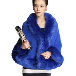 Barato Ponchos Pescoço-Wholesale-2015 Moda Mulheres V Neck Faux Fur Poncho Coat Full Batwing Sleeve Loose Mulheres Winter Coat Ladies Elegante Outwear Cor sólida
