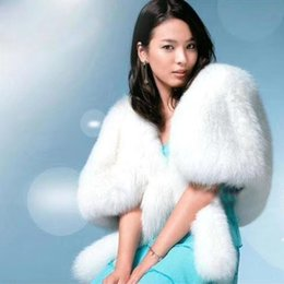 Abrigo De Bodas Encogimiento De Hombros Invierno Baratos-Alta Calidad Faux Fur Off White Bufanda nupcial Ocasión especial Prom Party chal Shrug chal Otoño Invierno Wedding Warm Coat