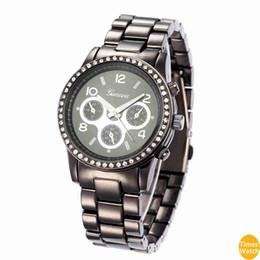 $enCountryForm.capitalKeyWord UK - Female Geneva Diamond Watches men Dress Watches Rose Gold Roman Dial Quartz Christmas gift Hours standard quality Classic