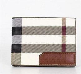 Nuevos bolsos de diseño Vintage PU Mens Carteras Fino Bifold Marrón Negro Cuero PU Tarjeta de crédito Cool tri fold Wallet para hombres Entrega gratuita en venta