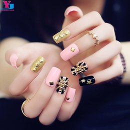 Barato Conjunto De Unhas Falsas 3d-Atacado - 24pcs / set Moda Pink Flag Glitter Gold Metallic Falso Nails 3D Rivet Artificial Long Nail Art Fake Dicas de unhas Adesivos com cola