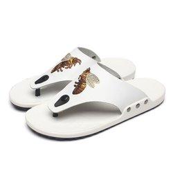 $enCountryForm.capitalKeyWord Canada - Summer Flip-Flops Men's Sandals Slippers Casual Leather Shoes Genuine Walk Along the Sea Bee Printe Slide Beach Slippers Men's Shoes