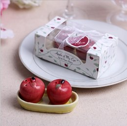 $enCountryForm.capitalKeyWord Canada - Apple ceramic salt and pepper shaker 2 red apple on the boat Spice jar Party favor souvenirs Wedding Christmas gift