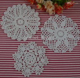 Round Fabric Doilies Canada - Free Shipping 30Piece crochet doilies fabric table lace placemats coasters kitchen accessories Dial 14-16cm Custom Colors zj005