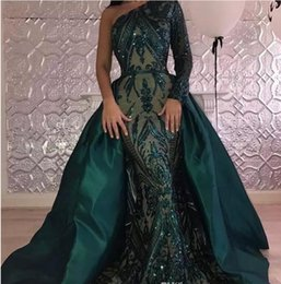 Barato Vestido De Lantejoulas Verde Um Ombro-Hunter Green Sexy One Shoulder Long Sleeves Mermaid Prom Dresses 2018 New Sparkly Sequins Evening Gowns com cetim Overskirt