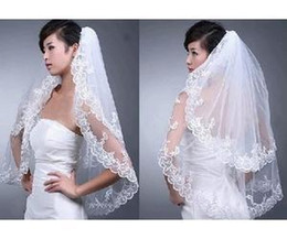 $enCountryForm.capitalKeyWord Canada - Layers New Elegant Lace White Wedding Bridal Bride Veil Comb Free Shipping 2019 new arrival Short Tiers Bridal Veils Tulle Natural Bottom