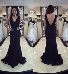 Barato Vestidos Pretos Baratos Vintage-2018 Mermaid Black Lace Prom Dress árabe Long Prom Dresses V Neck Sem mangas Backless Cheap Evening Gowns Formal Dresses Sweep Train