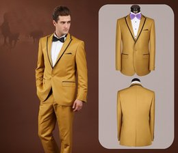 Barato Smoking De Ouro Para Homens-Custom Made Center Vent Groom Tuxedos Gold Best Man Suit Peak Lapel Wedding Groomsman / Trajes de homem Noiva (Jaqueta + Calças + Laço) J760
