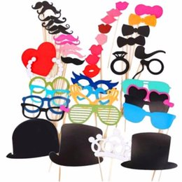 Palo Labial Baratos-Photo Booth Props 46Pcs / Set Photobooth para la decoración del banquete de boda Photo Booth Props Party Mask Glasses Bigote Lip On A Stick