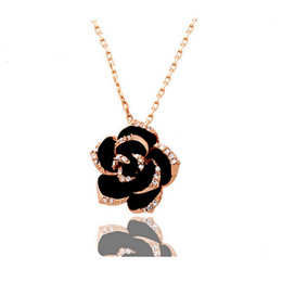 Plated Rose Gold Jewelry Wholesale Canada - 18K Gold Plated Rose Flower Necklace Pendant Fashion Alloy Rhinestone Jewelry For Women Fine Necklace Jewelry 1223