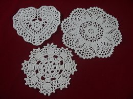 $enCountryForm.capitalKeyWord Canada - wholesale handmade Crocheted Doilies White lace cup mat vase Pad, Heart Round coaster Home & Garden 14-20 cm table mat 30PCS LOT tmh376