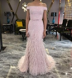 Barato Vestido Rosa Penas-Pink Off The Shoulder Feather Dresses Evening Wear Lace Appliqued Crystal Mermaid Prom Vestidos Sweep Train Formal Especial Ocasião Party Dress