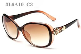 Fashion Lenses Cheap Canada - Sunglasses For Women Vintage sunglass Flower Rhinestone sunglases Womens Fashion Sun Glasses Woman Cheap Designer Sunglasses 3L6A10