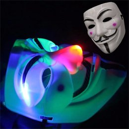 Robes Lumineuses Pas Cher-LED clignotant V Masque pour Vendetta Masquerade Hommes Femmes Masques de fête Déguisement Luminous LED Mask Halloween Costume Props 1000pcs OOA2782