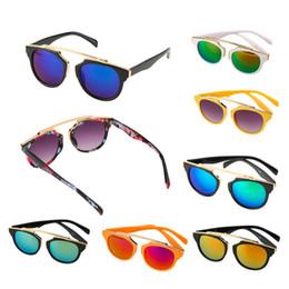 Hot Girls Sunglasses NZ - Fashion Cool Girls Boys Retro Children's Sunglasses Baby Plastic Eyeglasses Trendy Spectacles UV400 Hot!
