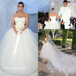 $enCountryForm.capitalKeyWord Canada - Kim Kardashian Wedding Dresses Puffy Ball Gown Strapless Tulle Long Dream Princess Celebrity Wedding Formal Bridal Party Gowns