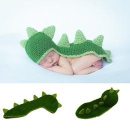 Barato Chapéus Dos Crocodilos Dos Dinossauros-Newborn Baby Boy Clothes Knitted Dinosaur Hat Set Baby Dinosaur Photography Props Crochet Boys Outfits Infant Photo Props BP065