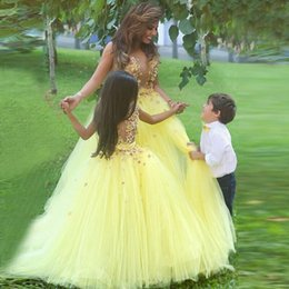 $enCountryForm.capitalKeyWord Canada - Light Yellow Tulle Flower Girl Dresses Floor Length Puffy A-line Floral Colorful Appliques Pageant Girl Dresses Sleeveless Communion Dresse