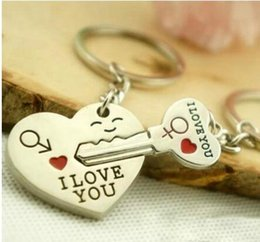 New Couple I LOVE YOU Heart Keychain Ring Keyring Key Chain Lover Romantic Creative Birthday Gift on Sale
