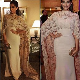Robes De Bal D'empire Nu Pas Cher-Sonam Kapoor à Paolo Sebastian High Neck Dubai Kaftan nude Lace Cape Robe de soirée musulman 2017 Islamic Arabic long sleeve promo Formal Gown