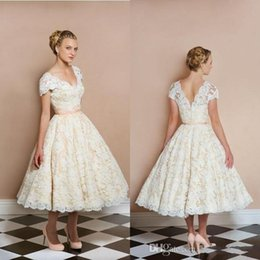 1950s Tea Length Vintage Wedding Dresses V Neck Short Sleeve Light Champagne Bridal Gowns Custom Made Reception Dress