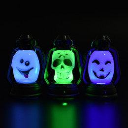 Chinese  Colorful Flash Skull Pumpkin Ghost Shape Hanging Small Night Light Holiday Lantern Led Light 0Lamp For Halloween Party wholesale price manufacturers