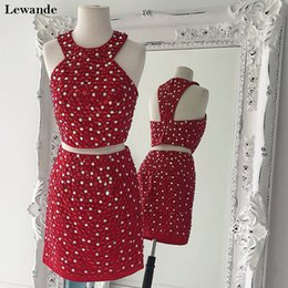 Tapis Rouge Jupes Courtes Pas Cher-Halter Sparkling Beading Deux pièces Junior Cheap Homecoming Dress Short Column Jupe Charming Mini Red Carpet Celebrity Gown Lewande 32314