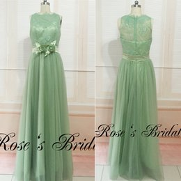 Barato Fotos Vestido De Dama De Tul-Olive Green Bridesmaid Dresses Real Picture 2016 Sheer Crew Neckline Lace Hand Made Flowers Cinto Tulle Long Maid Of Honor Dresses