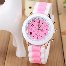 Geneva Watches Blue Canada - The new Geneva watch color fashion ladies watch candy color Watch Table jelly silicone Macarons ice cream color quartz watch
