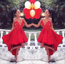 Barato Vestidos Chiques E Chiques-2017 Red High Low Homecoming Cocktail Dresses Chic Spaghetti Straps Lace Appliqued Short Prom Gowns