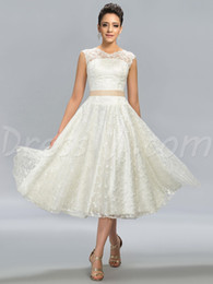 2018 Calf Length Lace Wedding Dresses Romantic White Scoop A Line Sleeveless