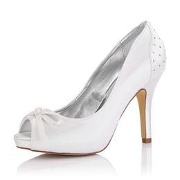 Champagne Platforms Canada - Dyeable Satin with Bow and Rhinestone Upper Wedding Dress shoes Platform White Color Wholesale Women Bridal Wedding Shoes Made in China