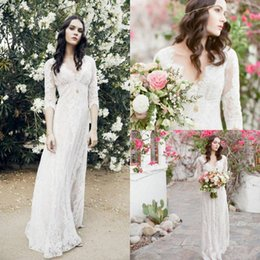 Destination En Dentelle Pas Cher-Sexy V Neck Robes de mariée Lace Sheer Half Sleeves A Line Appliques 2017 Empire Destination Beach Bridal Bohemian Informal Arabic Boh