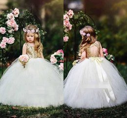Robe En Dentelle Dorée Au Champagne Pas Cher-2017 Gold Sequins Flower Girl Robes Dentelle Pircess Ball Gown Longueur au sol Tiered Tulle Kids Girls Dress Premier Communion Dress Wedding Party