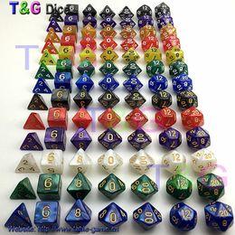 Оптовая продажа-7 шт./лот кости набор высокое качество многосторонняя кости с мраморным эффектом d4 D6 d8 d10 d10 D12 D20 подземелье и драконы RPG кости игры на Распродаже